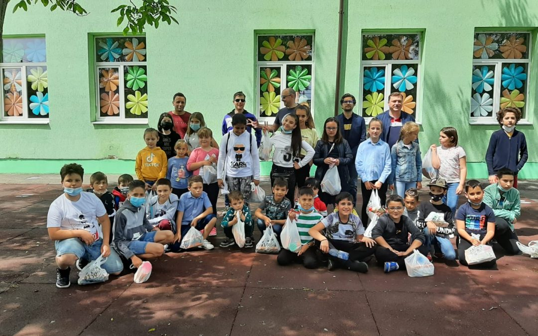 Două zile deosebite cu elevii școlii din 1 Decembrie și voluntarii de la Dino FC